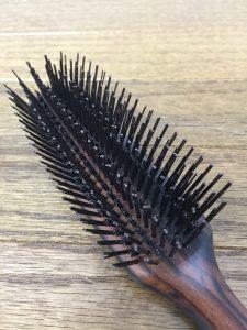 天然毛のヘアブラシ