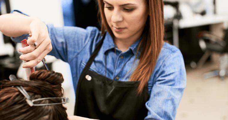 美容師は1年目の離職率が最も高い!?悩んだときの5つの対策と経営者側の対応