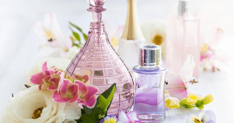 フレグランスの選び方とつけ方・1000円以内で購入できるおすすめ香水8選